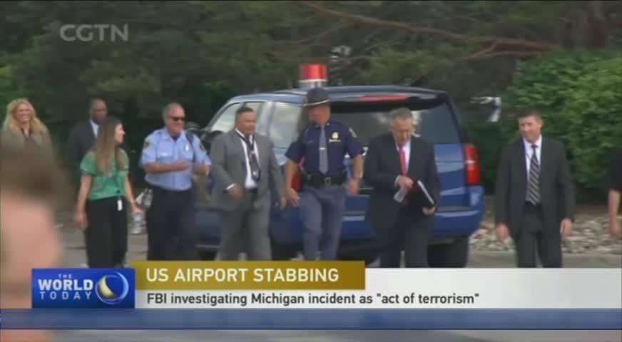 美國密歇根州弗林特市機場發生襲警案,一名警員被人用刀割頸 JUN22,2017(BC)