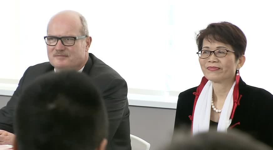 麦德庄承诺积极扩展普通话课程-DEC 11, 2017 (BC)